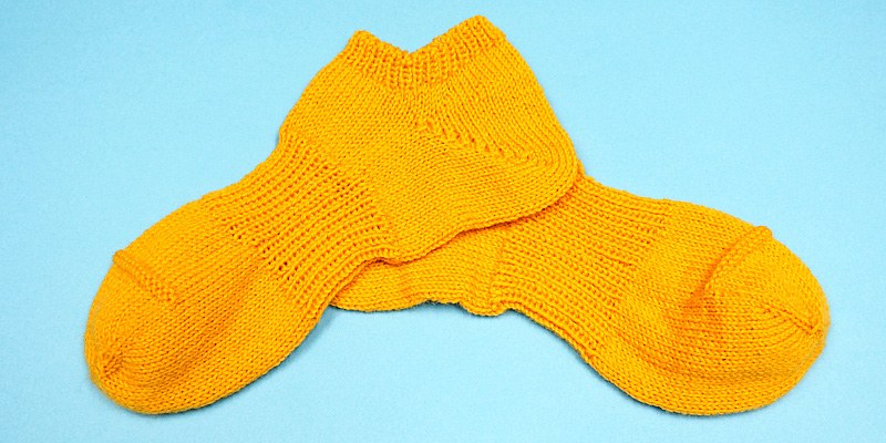 Sneaker Socks Knit-Along, Part 3 - How to Bind off Stitches of a Toe-Up Sock
