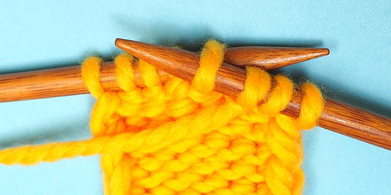 Cómo hacer puntadas torcidas en tejido ruso